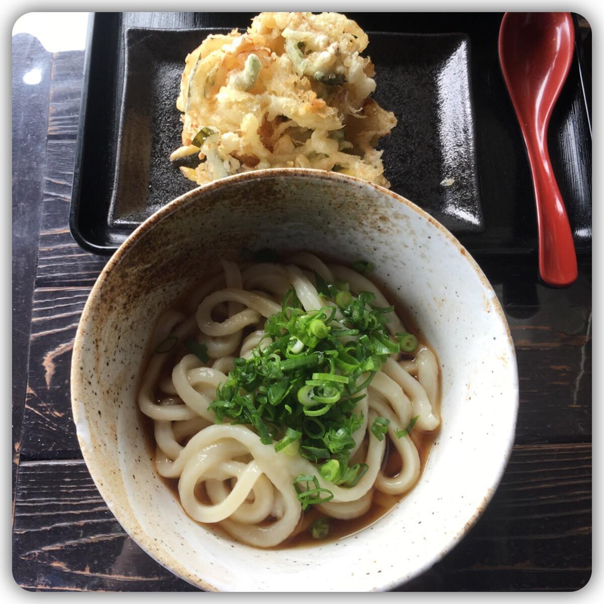 ぶっかけうどん 野菜のかきあげ天ぷら