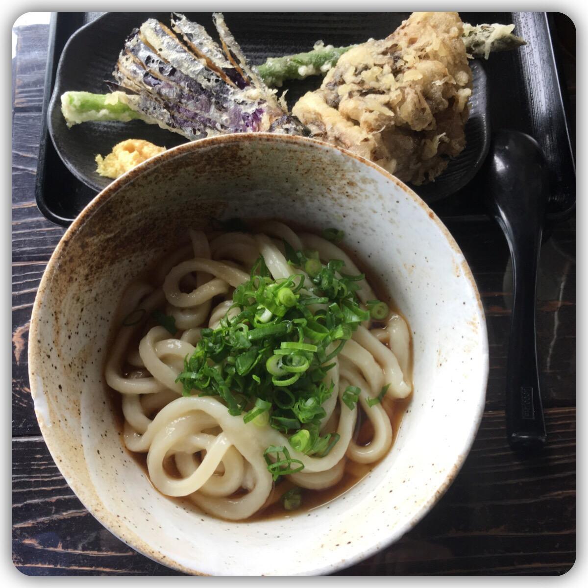 ぶっかけうどん ナスの天ぷら アスパラガスの天ぷら 舞茸の天ぷら