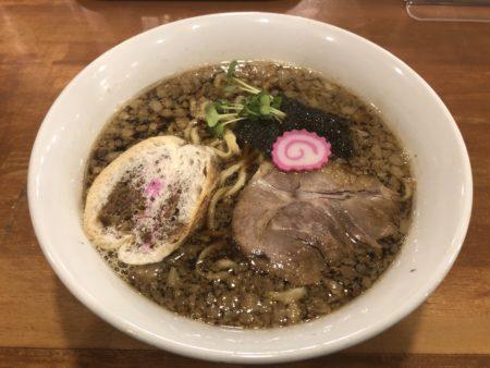 札幌煮干しセンターの背脂醤油ラーメン