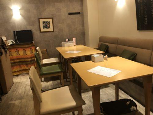 西洋料理 ヌイユのテーブル席