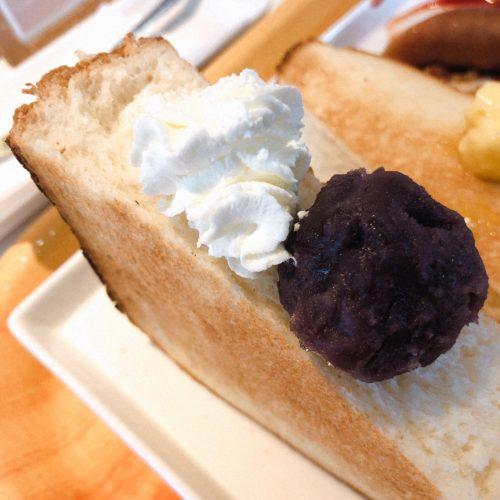 食パンにあんこと生クリーム