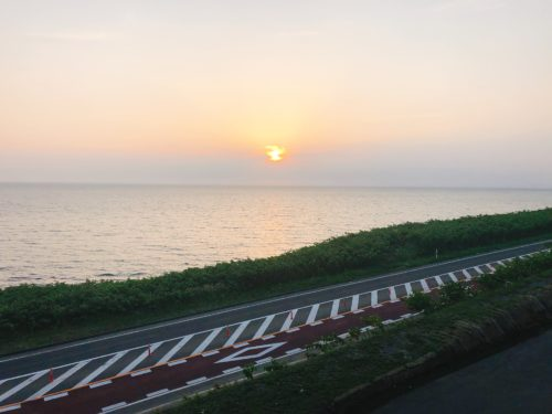 道の駅あいろーど厚田2階から夕日