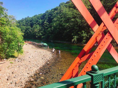 支笏湖の赤い橋 山線鉄橋から千歳川をみる