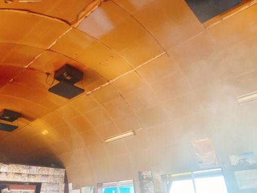 東千歳バーベキューの店内の天井