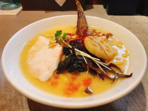 札幌の『点と線』狸小路店の醤油ラーメン