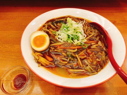 辛いラーメンの五目辛麺